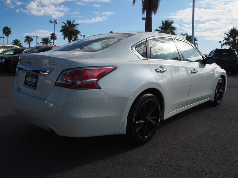 2015 Nissan Altima 4dr Sedan I4 2.5 SV - 17876598 - 11