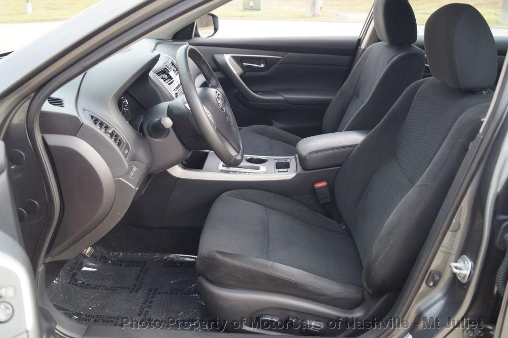 2015 Nissan Altima 4dr Sedan I4 2.5 SV w/Tech Pkg *Nav* - 18215028 - 19