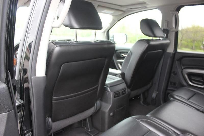 2015 Nissan Armada 4WD 4dr SL - 17931552 - 40
