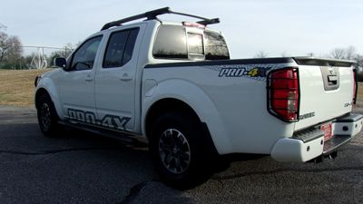 2015 Nissan Frontier 4WD Crew Cab SWB Automatic PRO-4X - Click to see full-size photo viewer