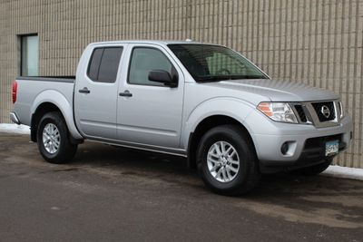 2015 Nissan Frontier 4WD SV CREW CAB W/ NEW TIRES Truck