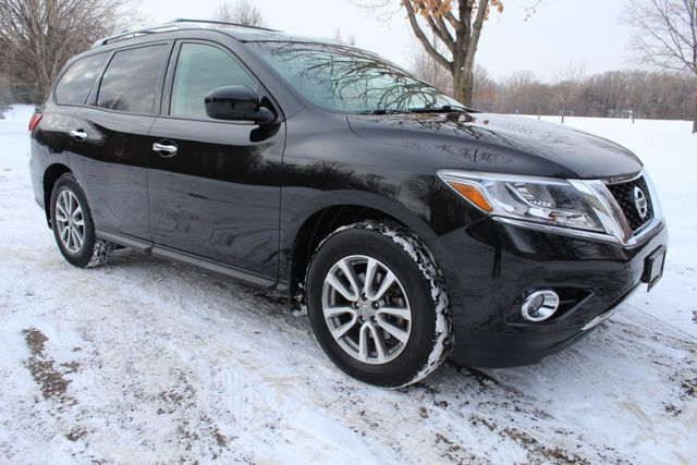 2015 Nissan Pathfinder ONE OWNER 4WD SV W/ NEW TIRES