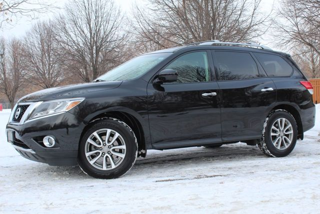2015 Nissan Pathfinder ONE OWNER 4WD SV W/ NEW TIRES - Click to see full-size photo viewer