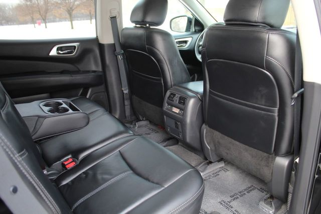 2015 Nissan Pathfinder SL LEATHER MOONROOF W/ NEW TIRES - Click to see full-size photo viewer