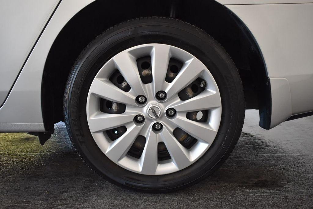 2015 Nissan Sentra S - 18319323 - 10