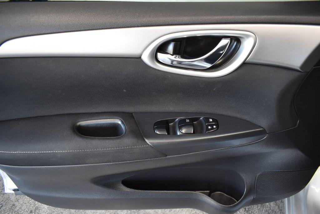 2015 Nissan Sentra S - 18319323 - 15