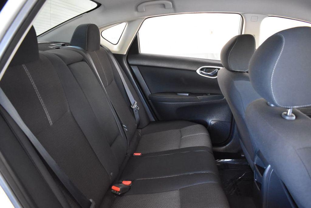 2015 Nissan Sentra S - 18319323 - 24