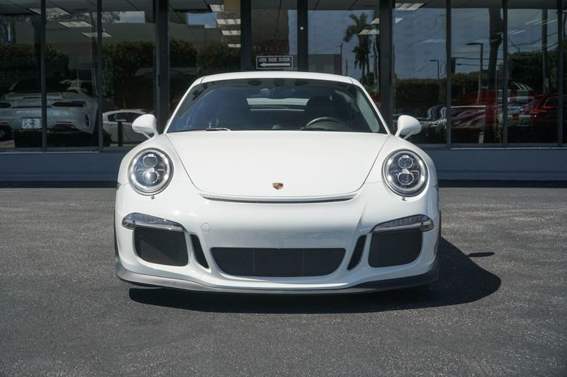 2015 Porsche 911 2dr Coupe GT3 - Click to see full-size photo viewer