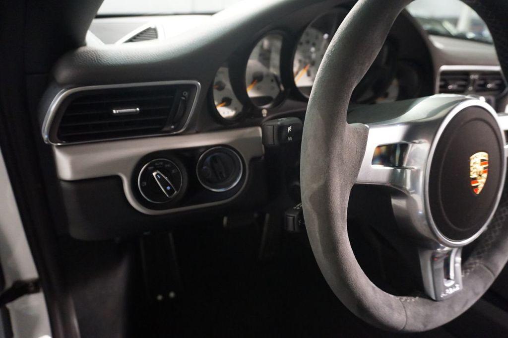 2015 Porsche 911 2dr Coupe GT3 - 18253303 - 19