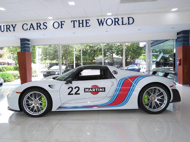2015 Porsche 918 Spyder Roadster