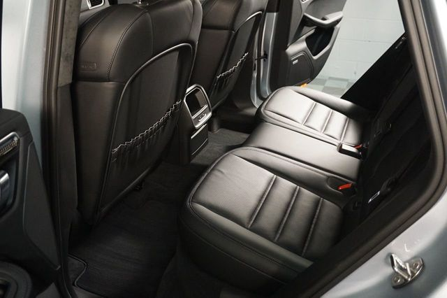 2015 Porsche Macan AWD 4dr Turbo - 17760311 - 9