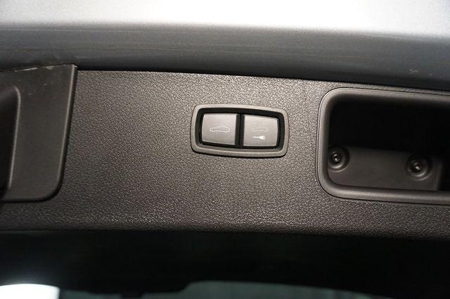 2015 Porsche Macan AWD 4dr Turbo - 17760311 - 16