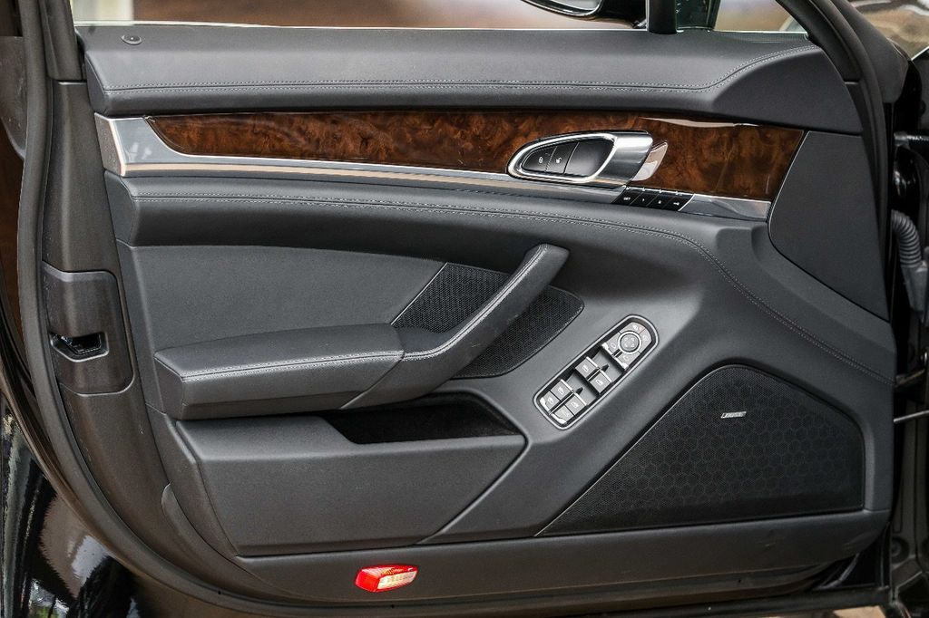 2015 Porsche Panamera Turbo S - 17851358 - 24
