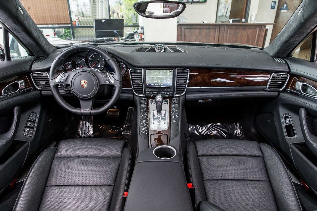 2015 Porsche Panamera Turbo S - 17851358 - 4