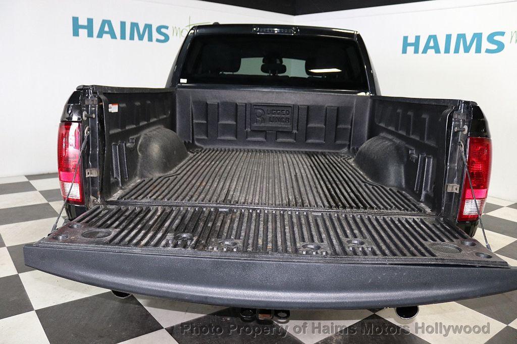 """2015 Ram 1500 4WD Crew Cab 140.5"""" Express - 18382897 - 9"""