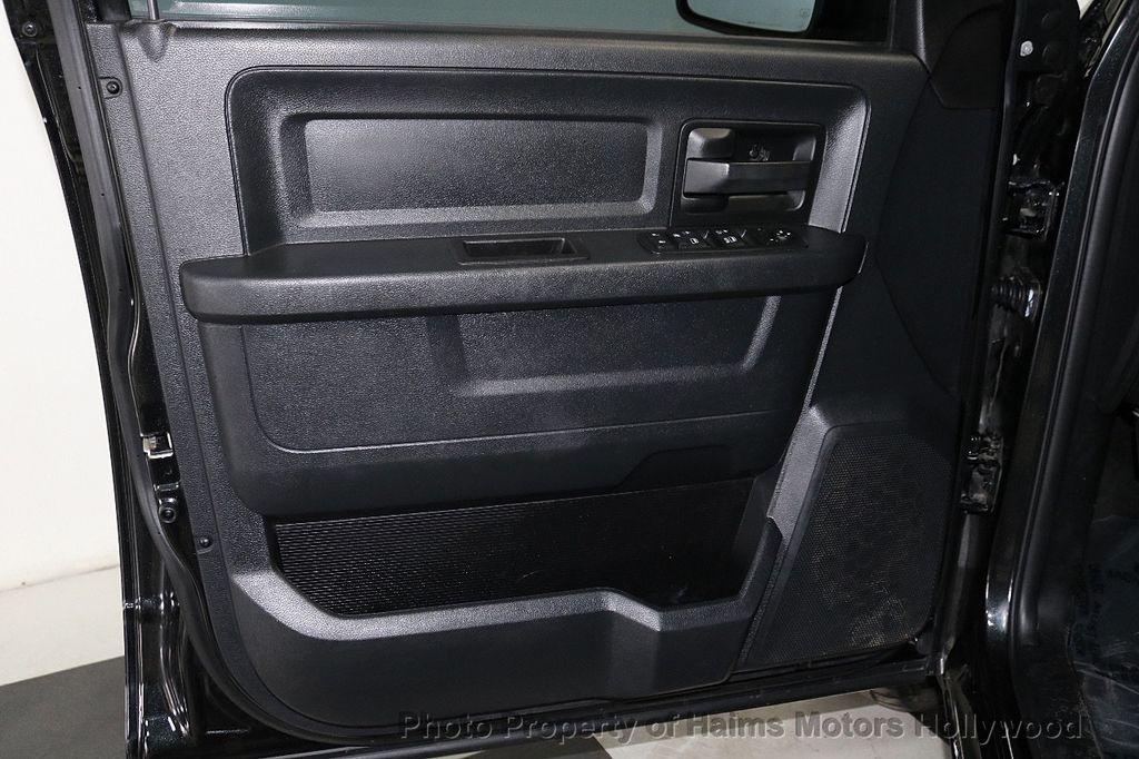 """2015 Ram 1500 4WD Crew Cab 140.5"""" Express - 18382897 - 10"""