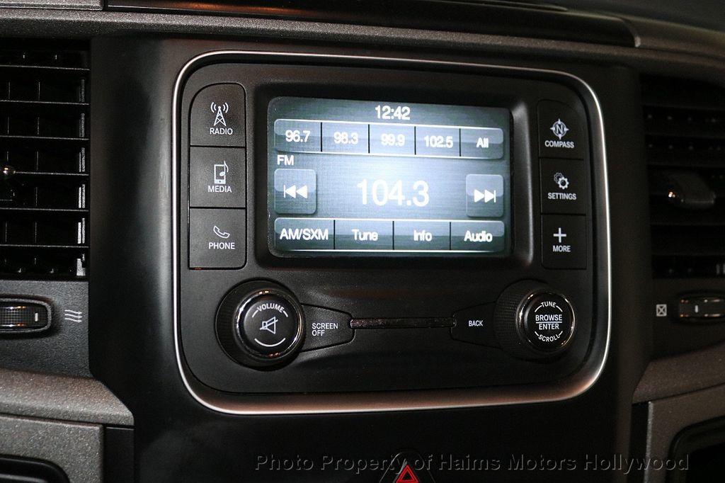"""2015 Ram 1500 4WD Crew Cab 140.5"""" Express - 18382897 - 20"""