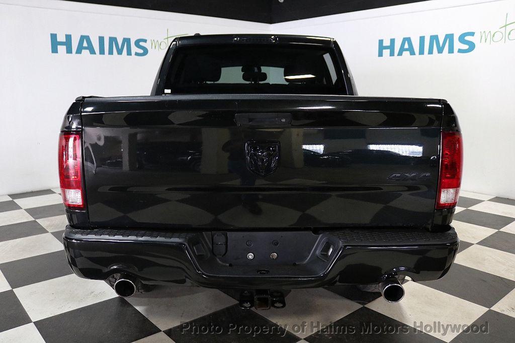 """2015 Ram 1500 4WD Crew Cab 140.5"""" Express - 18382897 - 5"""