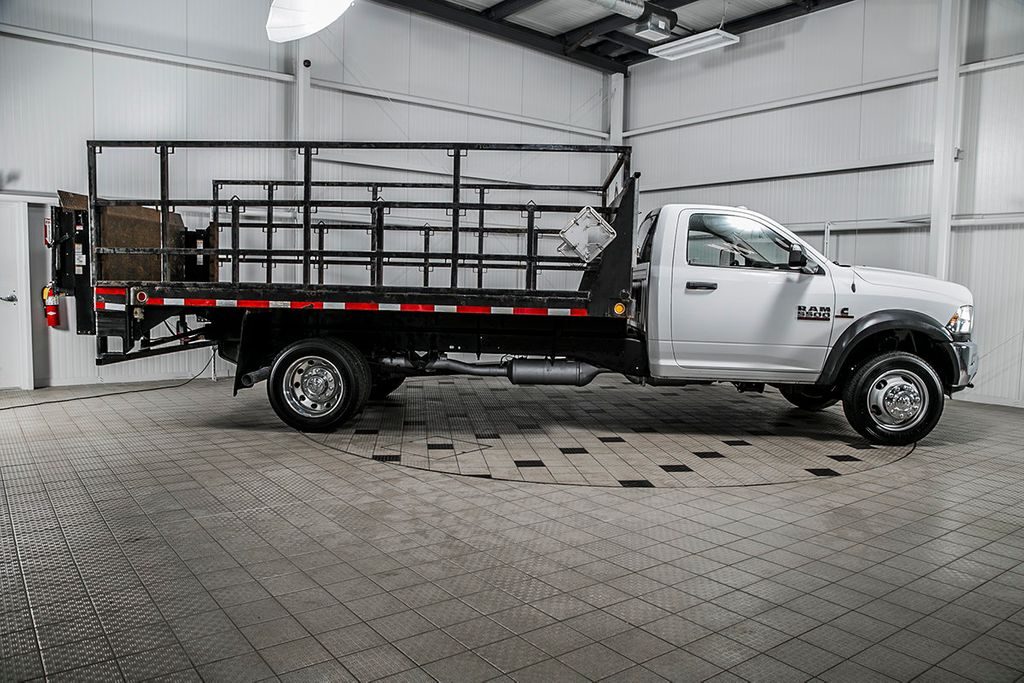 2015 Ram 5500 RAM 5500 * REG CAB * 6.7 CUMMINS * AISIN * STAKE BODY * LIFTGATE - 16509806 - 1