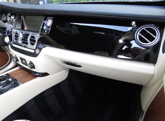 2015 Rolls-Royce Wraith 2dr Coupe - 16331521 - 25