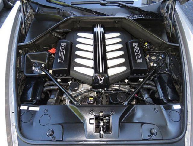 2015 Rolls-Royce Wraith 2dr Coupe - 16331521 - 32