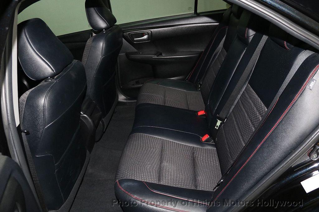 2015 Toyota Camry  - 17961625 - 14