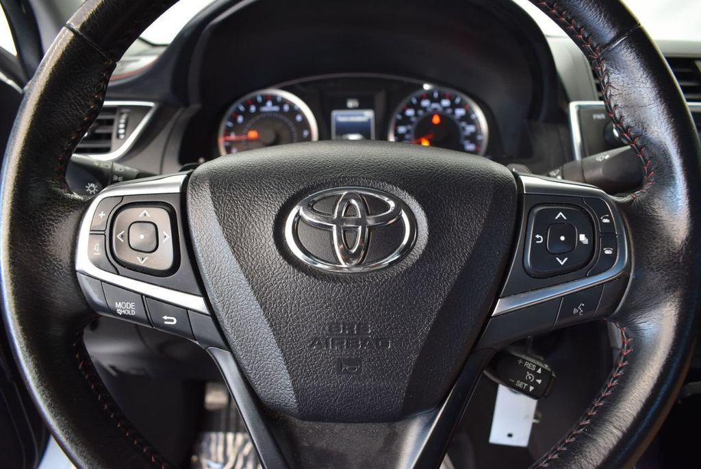 2015 Toyota Camry 4dr Sedan I4 Automatic LE - 18070726 - 15