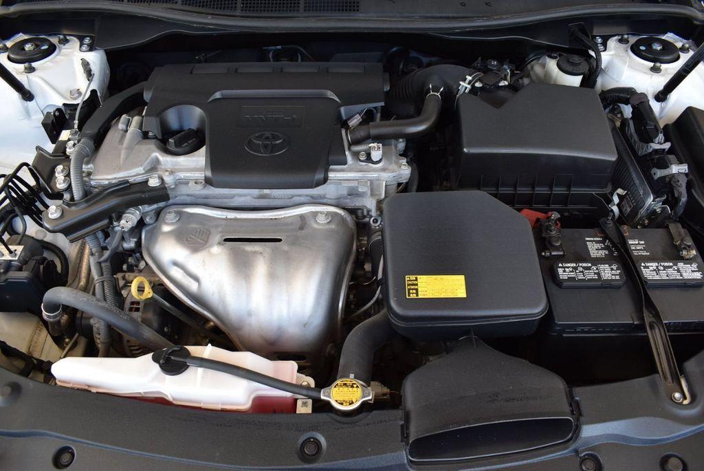 2015 Toyota Camry 4dr Sedan I4 Automatic LE - 18070726 - 24