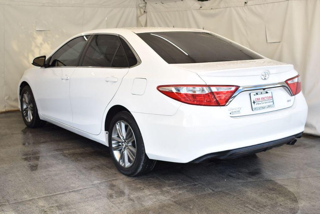 2015 Toyota Camry 4dr Sedan I4 Automatic LE - 18070726 - 3