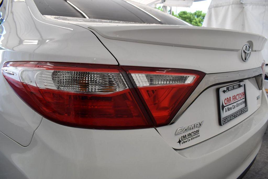 2015 Toyota Camry 4dr Sedan I4 Automatic LE - 18070726 - 4