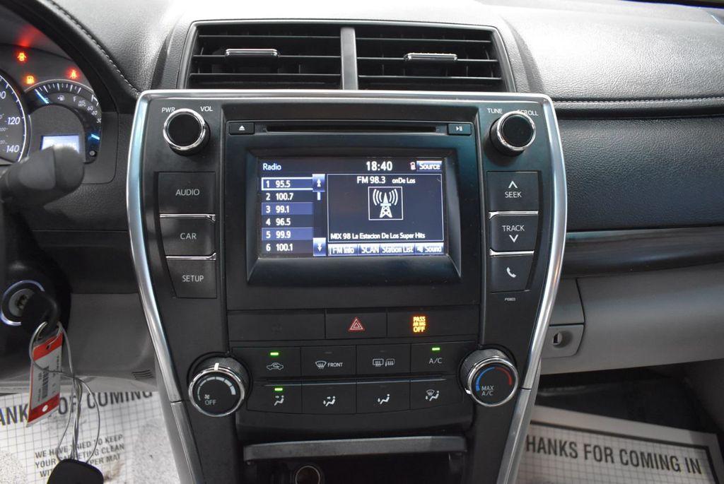 2015 Toyota Camry 4dr Sedan I4 Automatic LE - 18319318 - 15