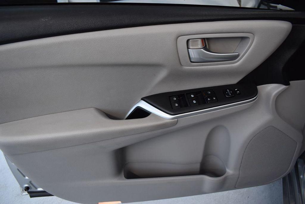 2015 Toyota Camry 4dr Sedan I4 Automatic LE - 18319318 - 18