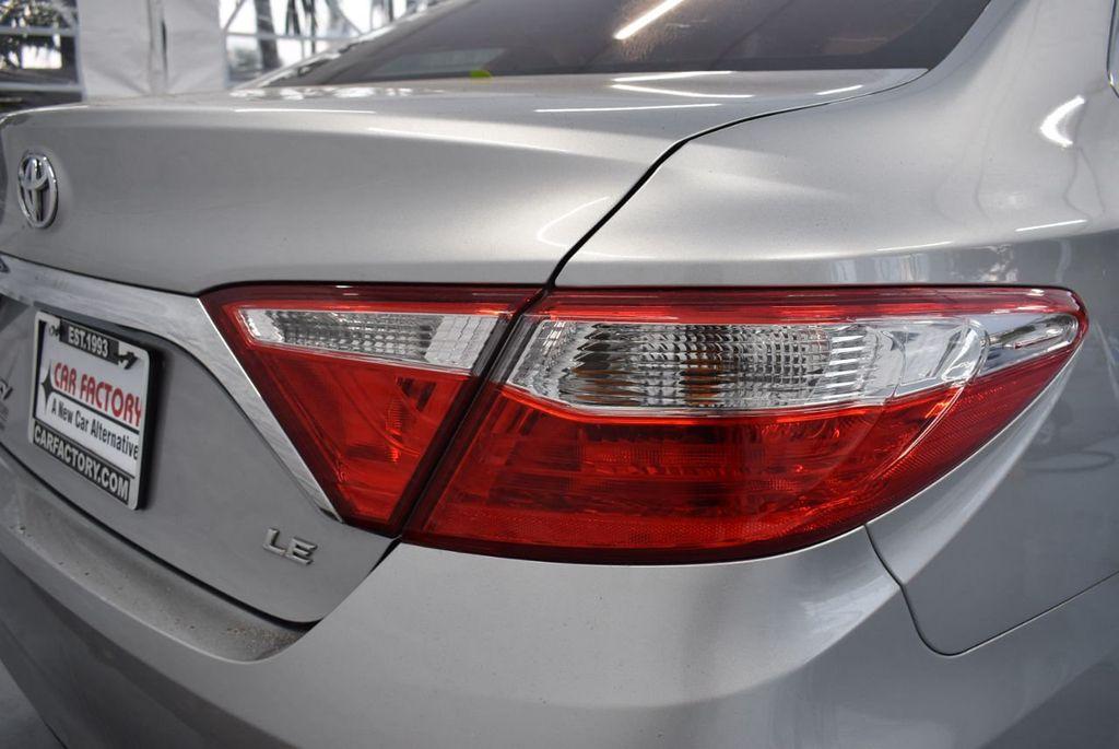 2015 Toyota Camry 4dr Sedan I4 Automatic LE - 18319318 - 1