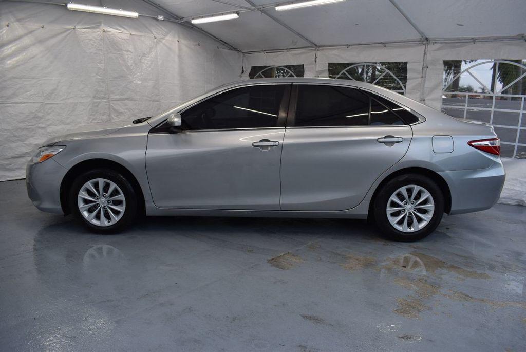2015 Toyota Camry 4dr Sedan I4 Automatic LE - 18319318 - 4