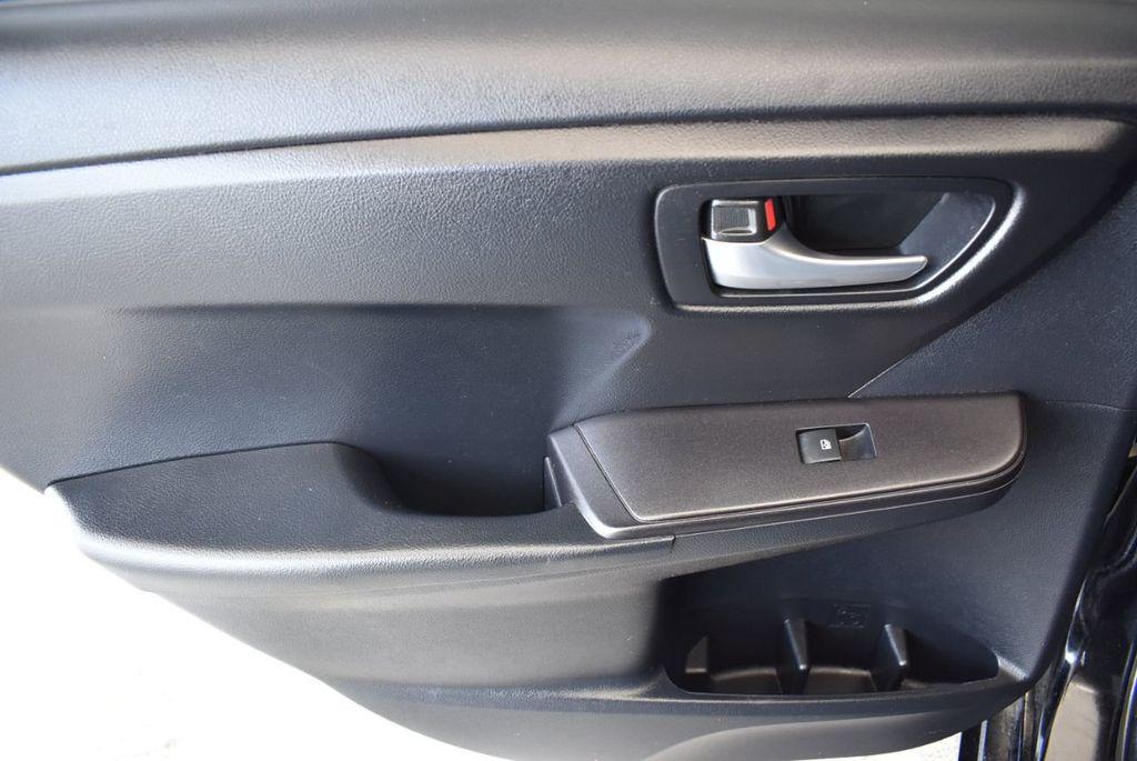 2015 Toyota Camry 4dr Sedan I4 Automatic SE - 17958523 - 15