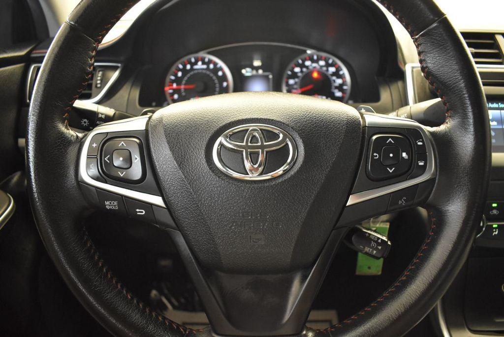 2015 Toyota Camry 4dr Sedan I4 Automatic SE - 17958523 - 17