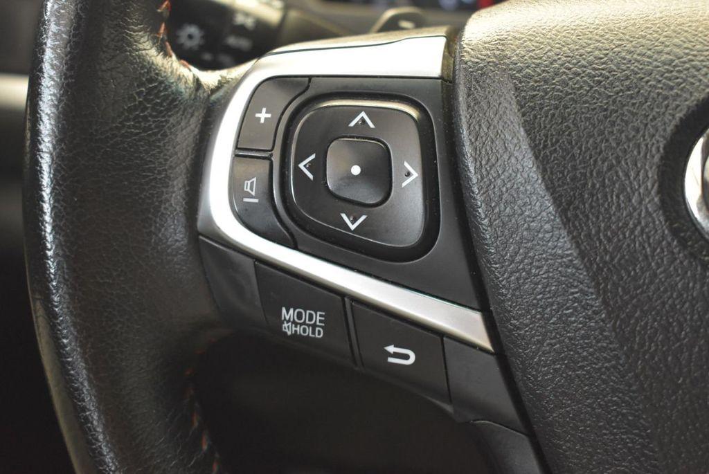 2015 Toyota Camry 4dr Sedan I4 Automatic SE - 17958523 - 19