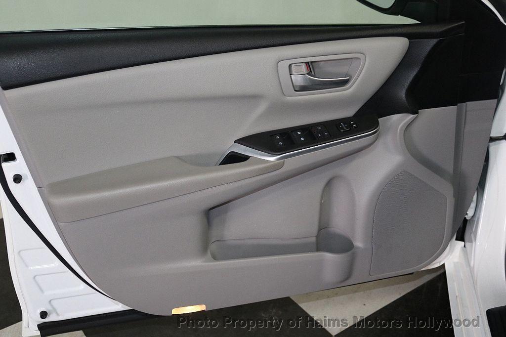 2015 Toyota Camry 4dr Sedan I4 Automatic SE - 18159606 - 9