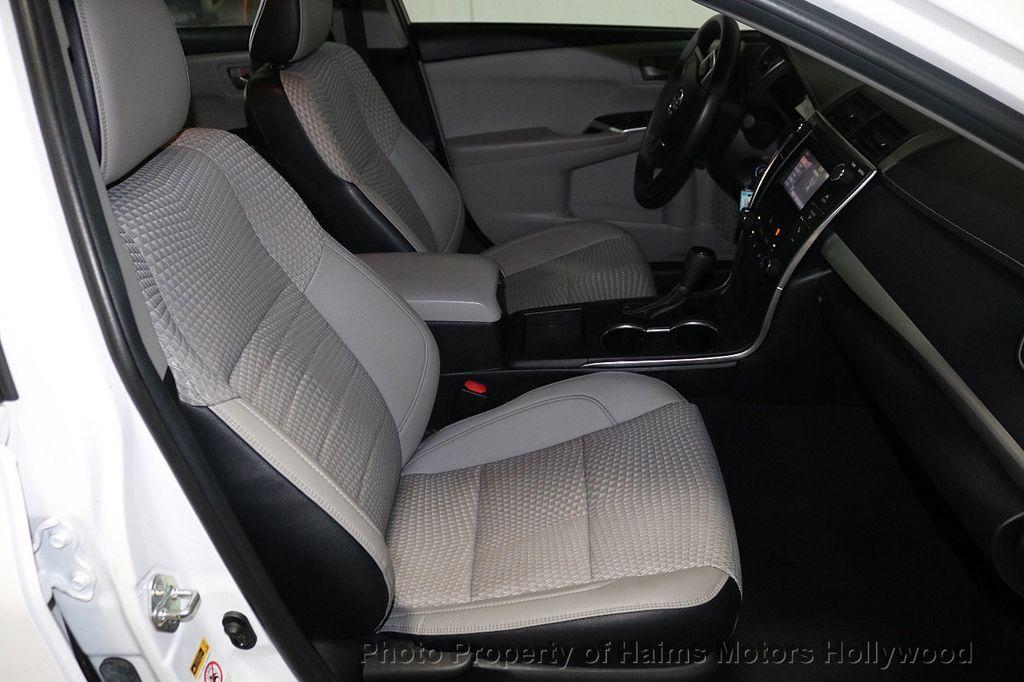 2015 Toyota Camry 4dr Sedan I4 Automatic SE - 18159606 - 13