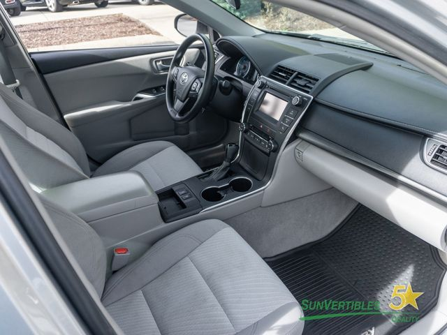 2015 Toyota Camry Hybrid 4dr Sedan LE - 18489930 - 15