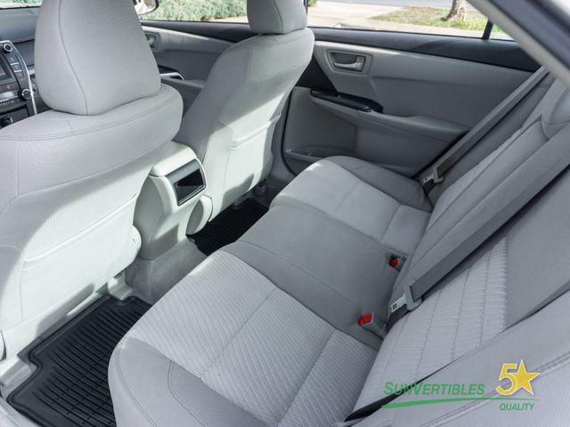 2015 Toyota Camry Hybrid 4dr Sedan LE - 18489930 - 30