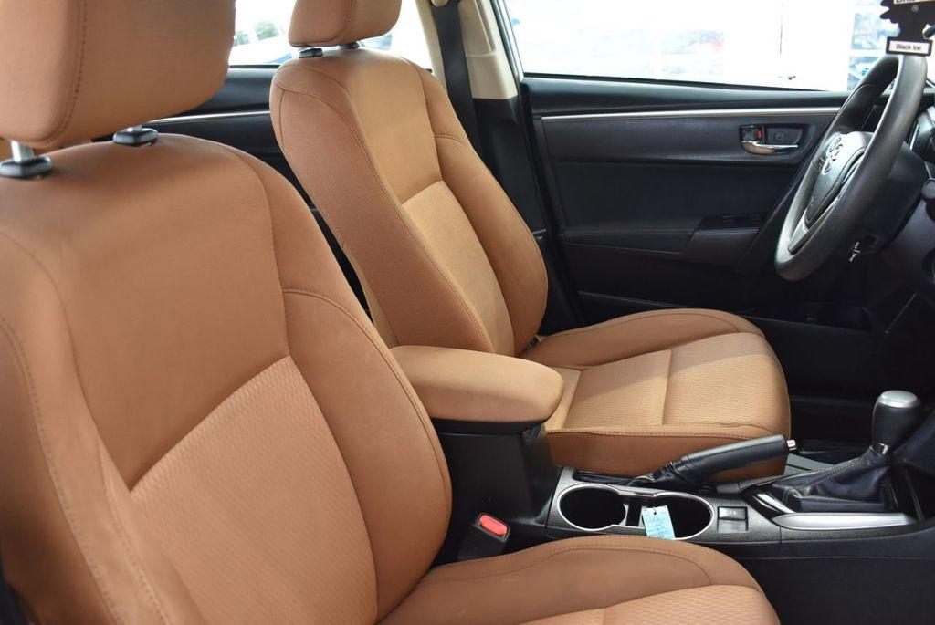 2015 Toyota Corolla  - 18546157 - 17