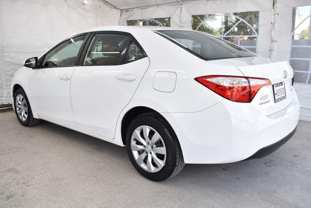 2015 Toyota Corolla  - 18546157 - 3