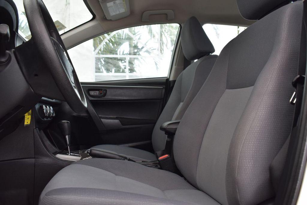 2015 Toyota Corolla  - 18638054 - 12