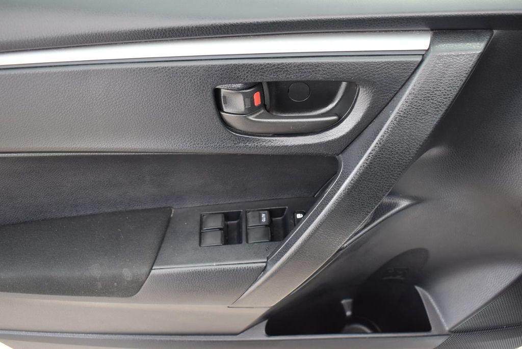 2015 Toyota Corolla  - 18638054 - 13