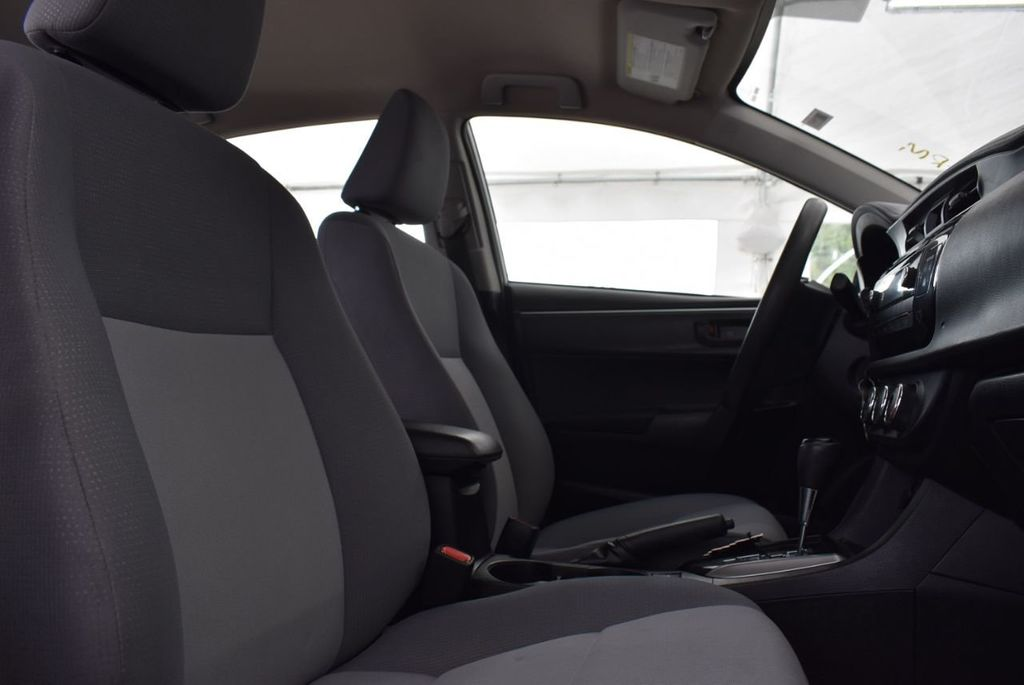 2015 Toyota Corolla  - 18638054 - 14