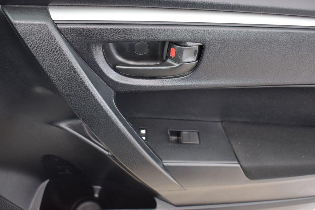 2015 Toyota Corolla  - 18638054 - 15