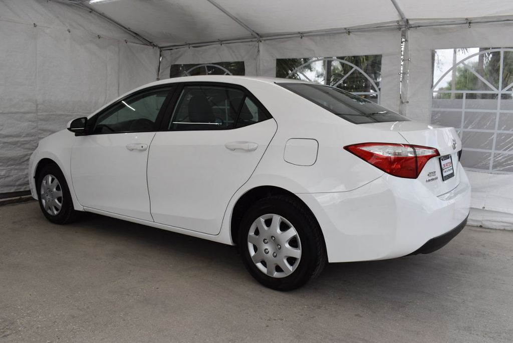 2015 Toyota Corolla  - 18638054 - 3
