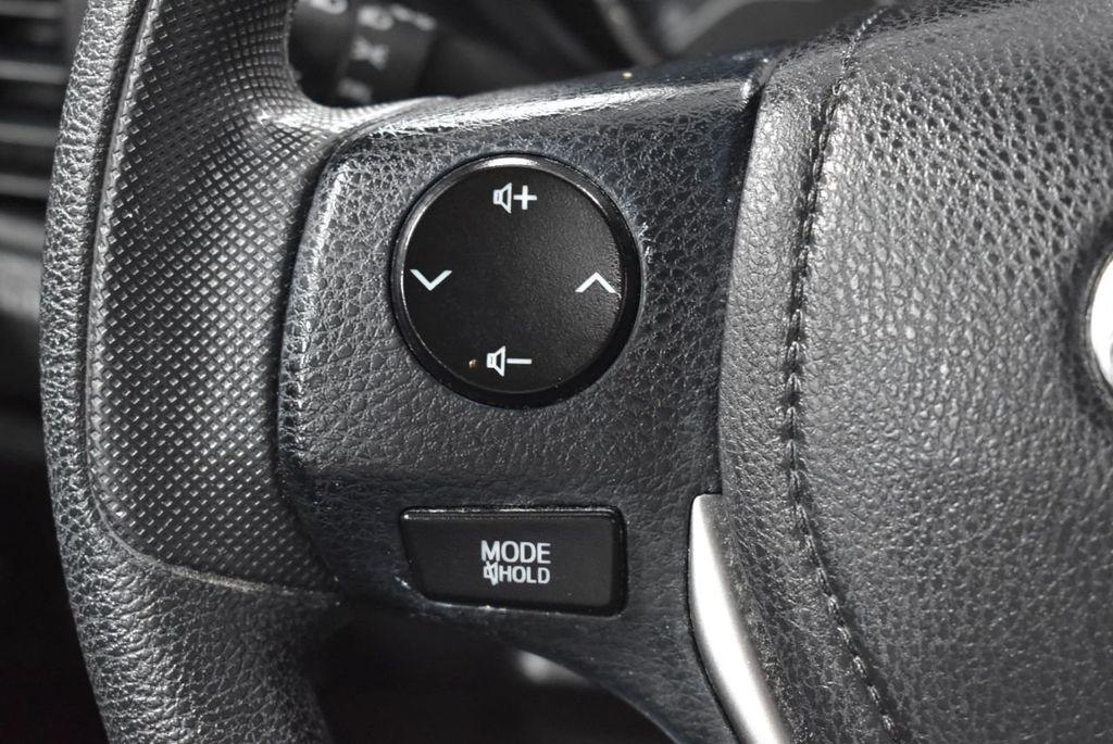 2015 Toyota Corolla 4dr Sedan Automatic L - 18246533 - 19