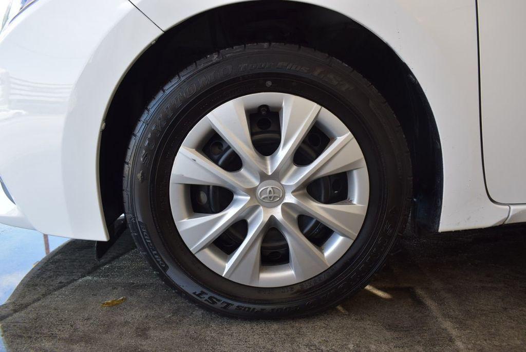2015 Toyota Corolla 4dr Sedan Manual L - 18166467 - 11